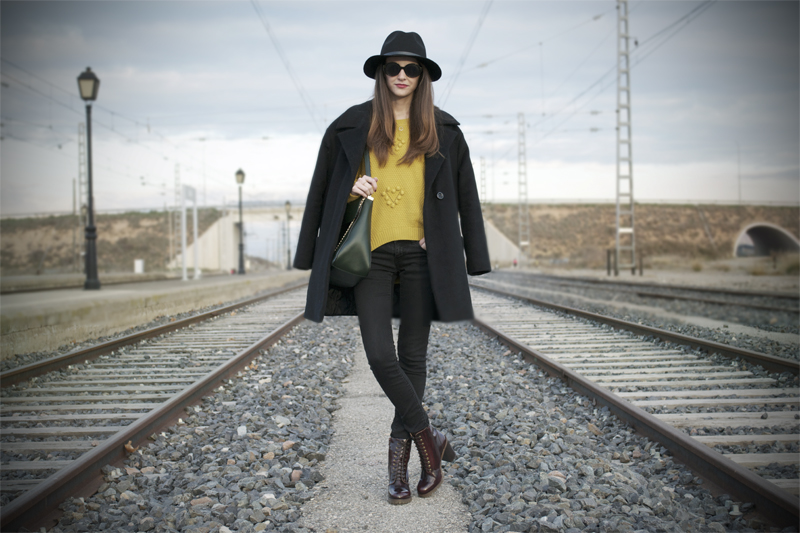 MIDDEL OF ANYWHERE-4771-stylissim
