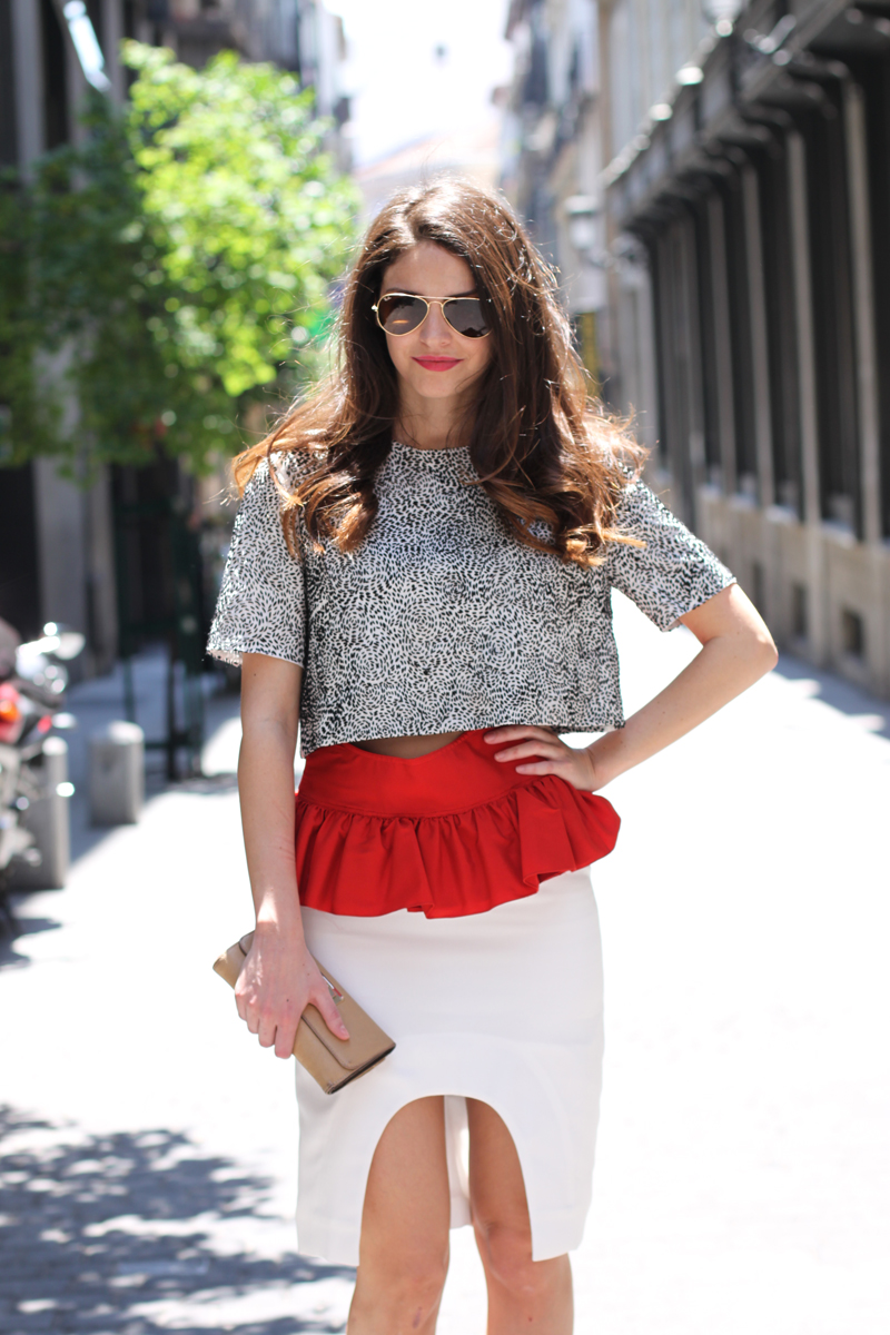 LAYERS, RUFFLES AND CUT OUT-6482-stylissim