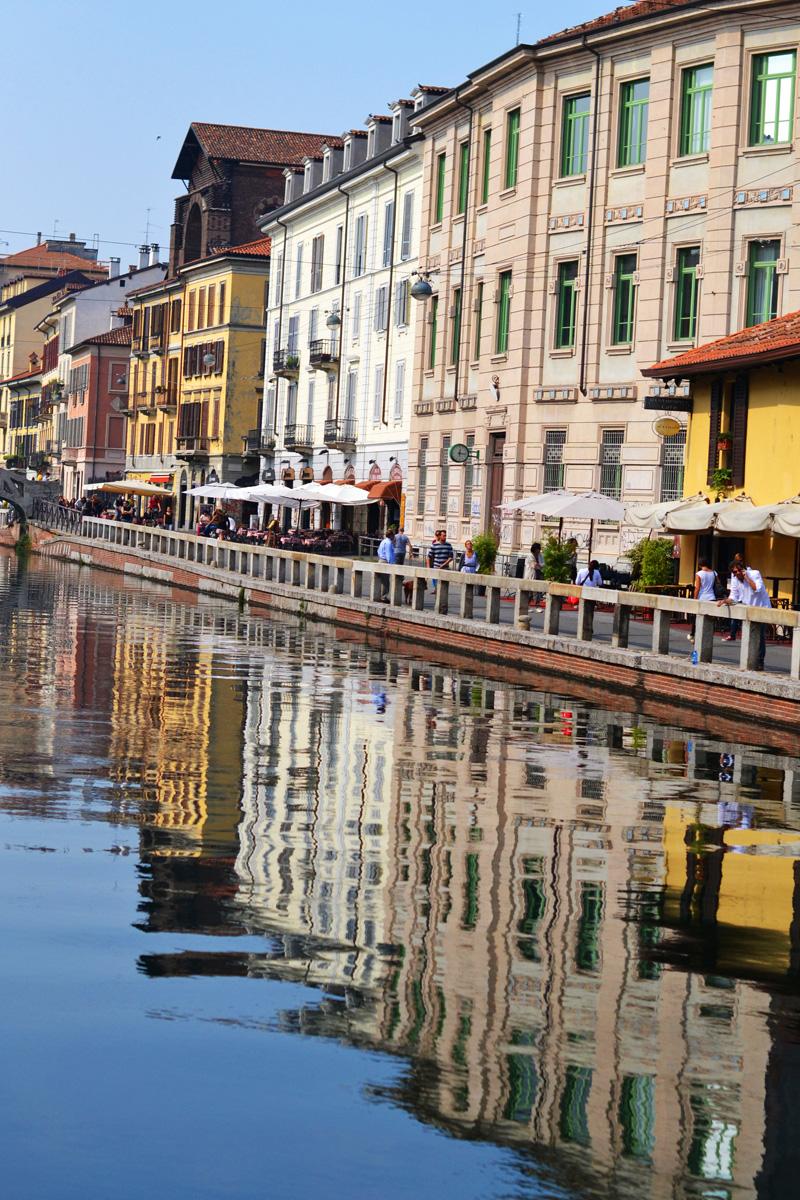navigli milan houses river