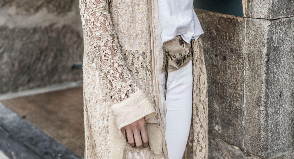 Blanco y beige