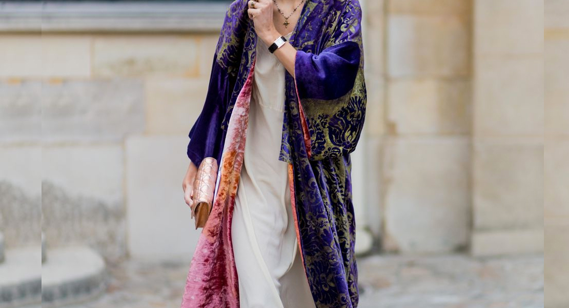 kimono de terciopelo purpura street style