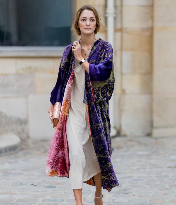 kimono purpura de terciopelo