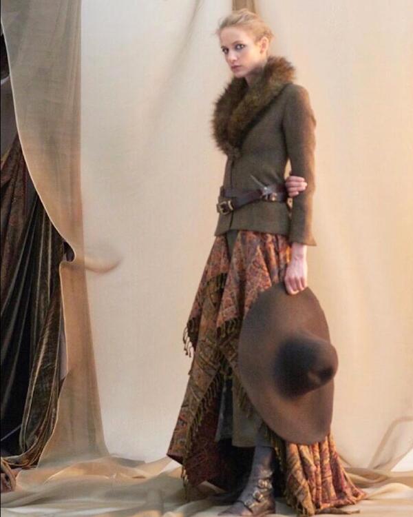 botas camperas con vestido