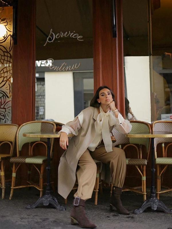 Gabriela Verdugo blusa con lazada prendas vaporosas