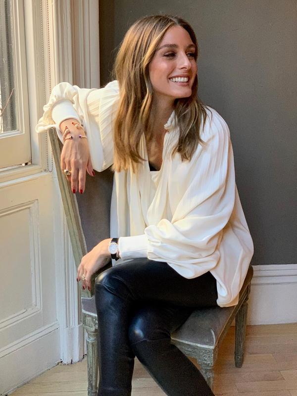 Olivia Palermo con blusa fluida Prendas vaporosas