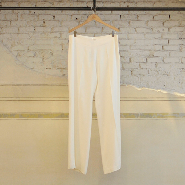 pantalones fluidos blancos