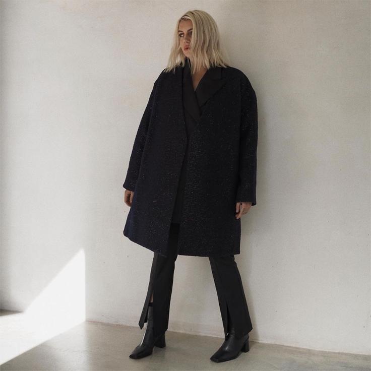 gigi_vives gigi vives trajes negros