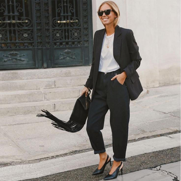 lucia barcena traje negro básicos de entretiempo