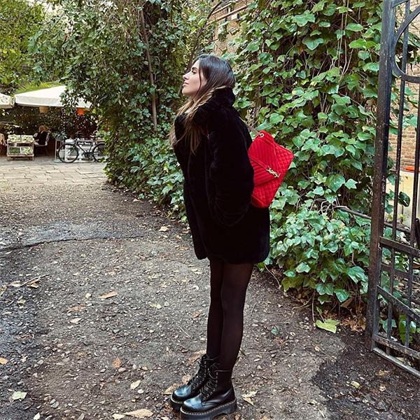 meryturiel abrigo negro