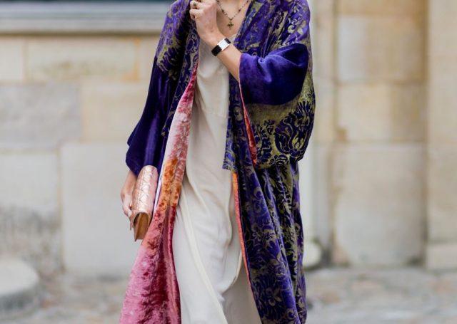 Kimono de terciopelo, la chaqueta que querrás para la siguiente temporada