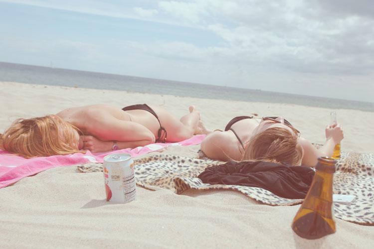 Verano en la playa: indispensables en la maleta-586-asos