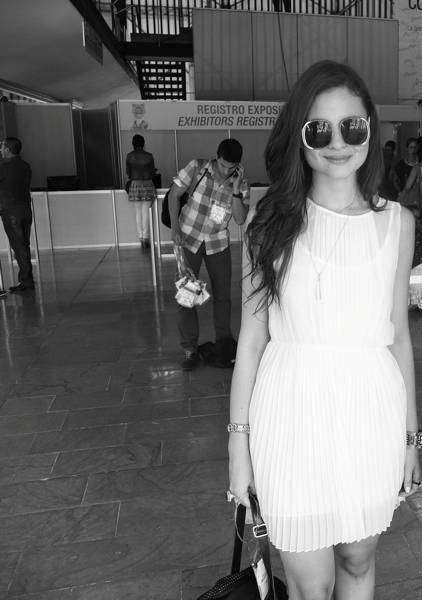The Little White Dress: A Hypermodern Woman´s New Basic-719-vanguardstyle