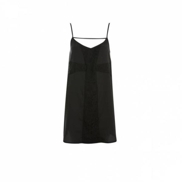 Vestido negro con cruz de encaje