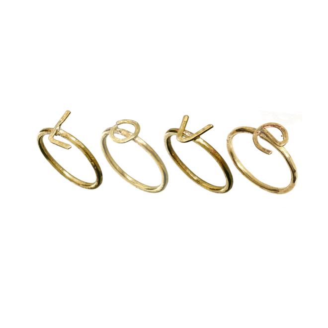 Juego de anillos con mensaje