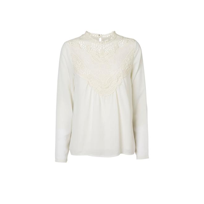 Camisa romántica con encaje