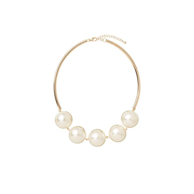 Collar rígido con perlas