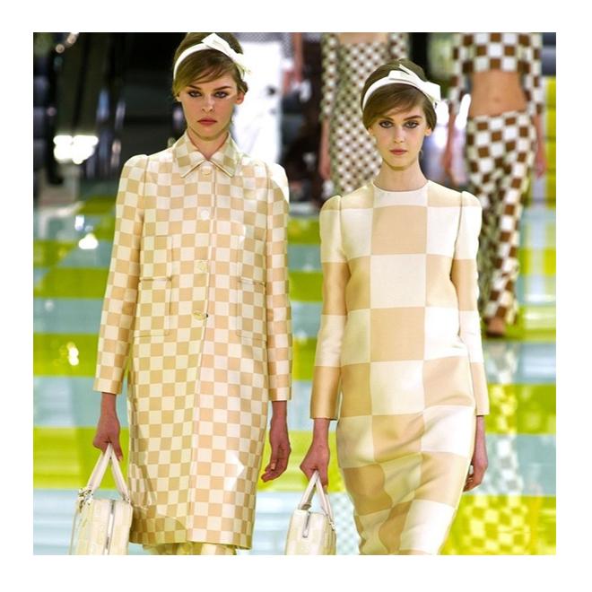 Abrigo damero Louis Vuitton