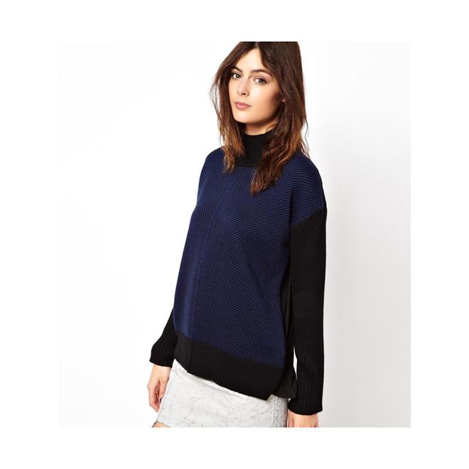 Suéter con espalda de tela y cuello alto