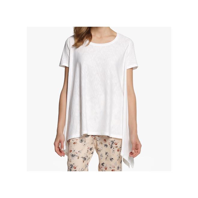 Camiseta blanca asimétrica