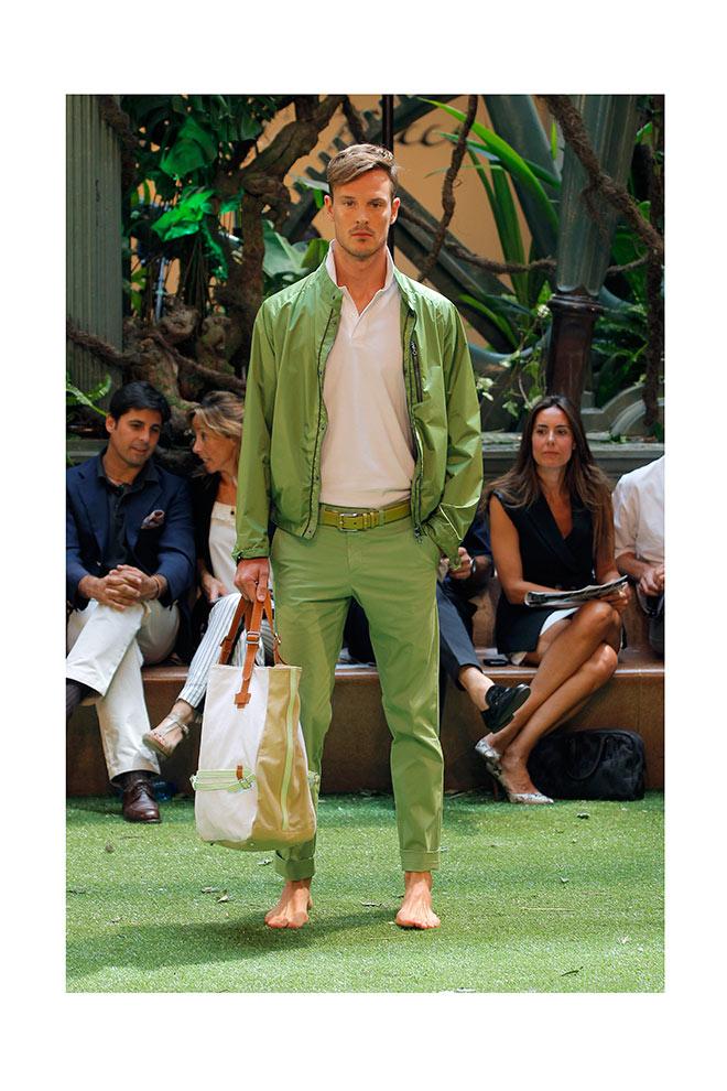 Un traje moderno en verde