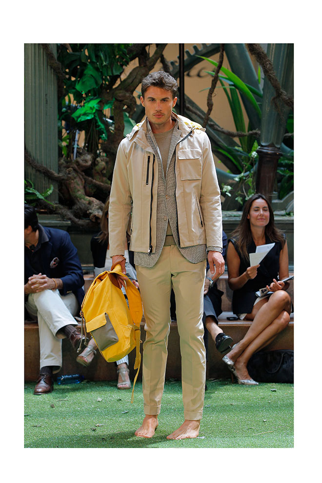 Con doble chaqueta