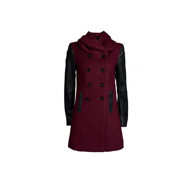 Abrigo burgundy con capucha