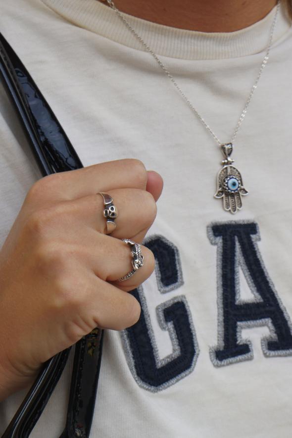 estilismo chica accesorios plata