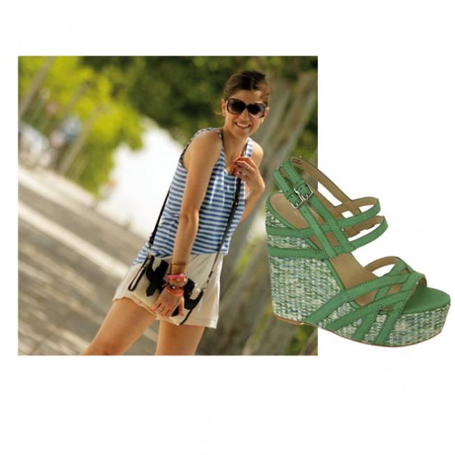 Las sandalias de B a la moda
