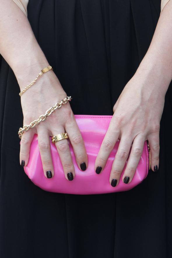 accesorios clutch rosa anillo dior