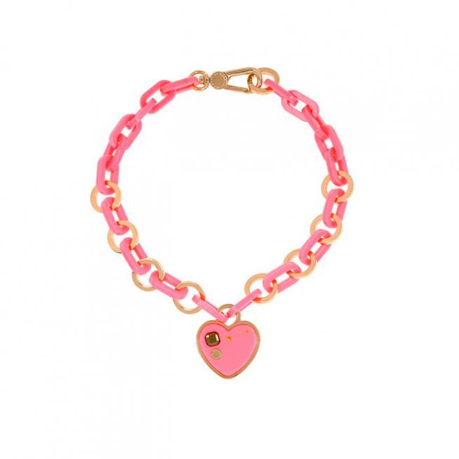 Collar rosa con corazón