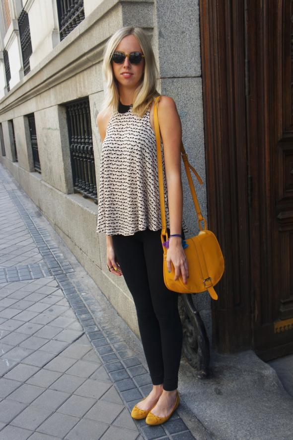 estilismo chica leggins negros