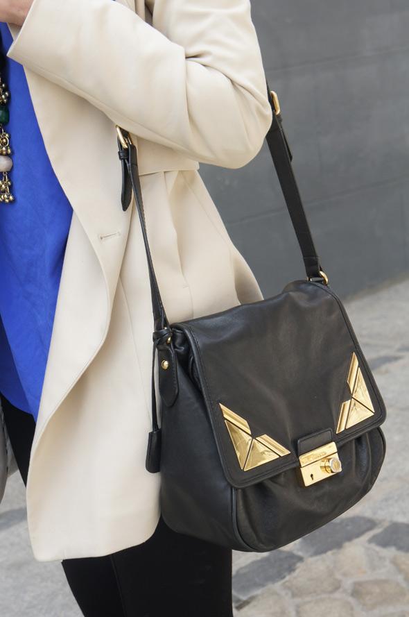 estilismo abrigo blanco bolso bimba y lola