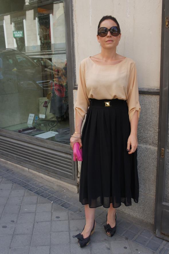 estilismo chica falda midi