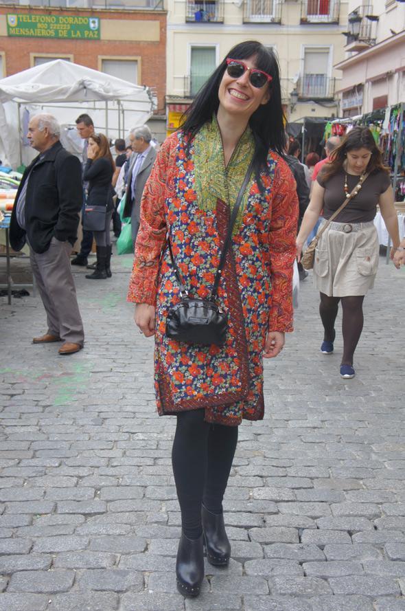Estilismo chica kimono gafas rayban