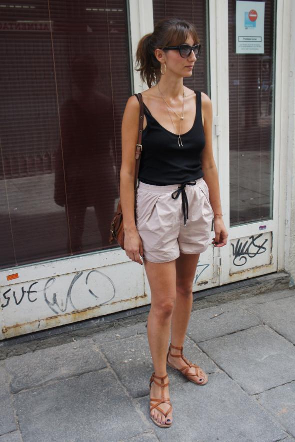 estilismo chica short camiseta