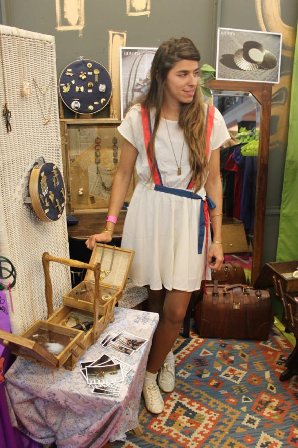 estilismo chica diseñadora joyas