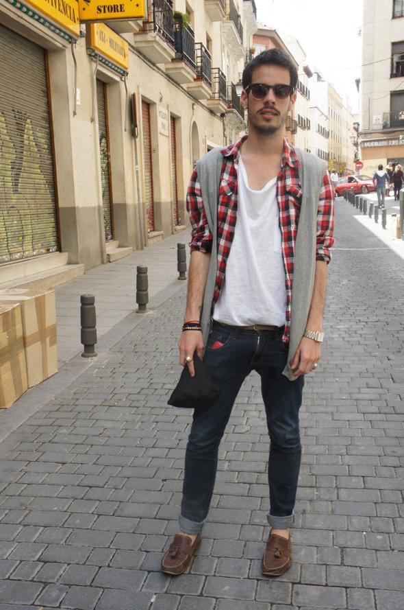 estilismo chico camisa cuadros