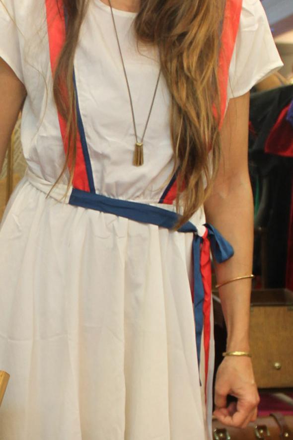 vestido-accesorios-dorados