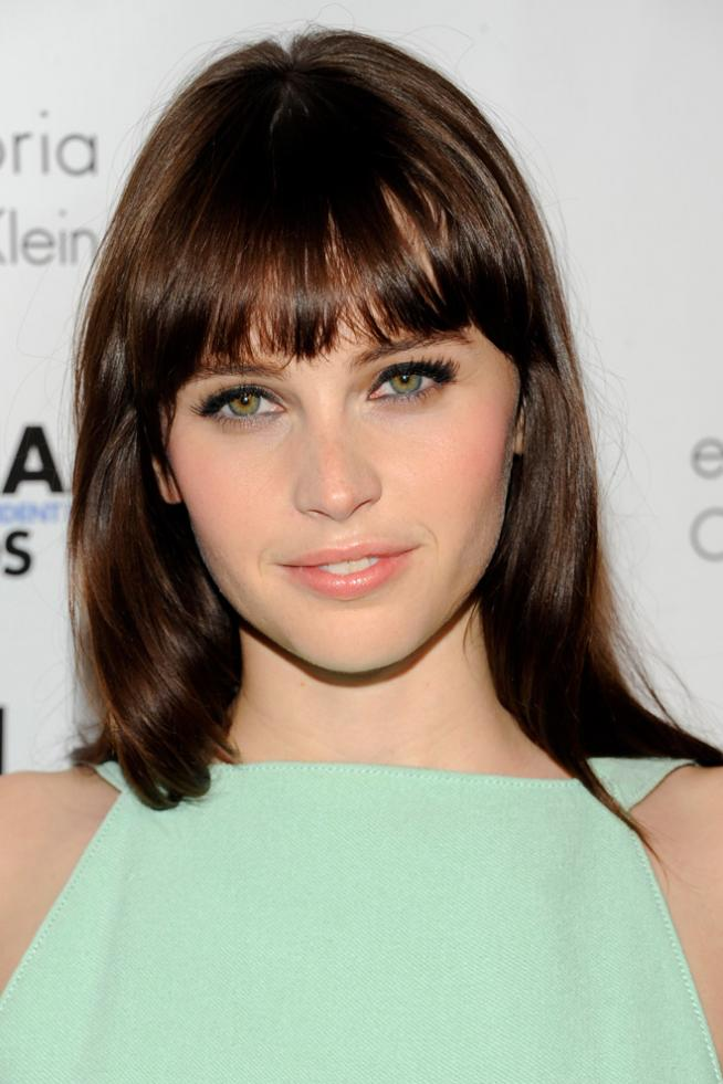 Copia el look beauty de Felicity Jones
