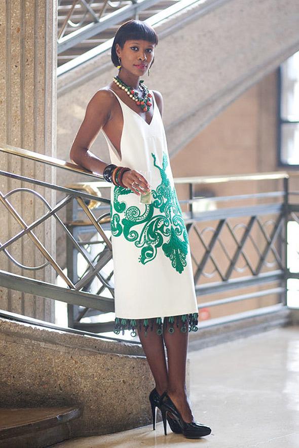 estilismo vestido blanco negra
