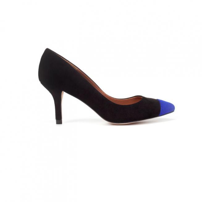 Stilettos con puntera azul