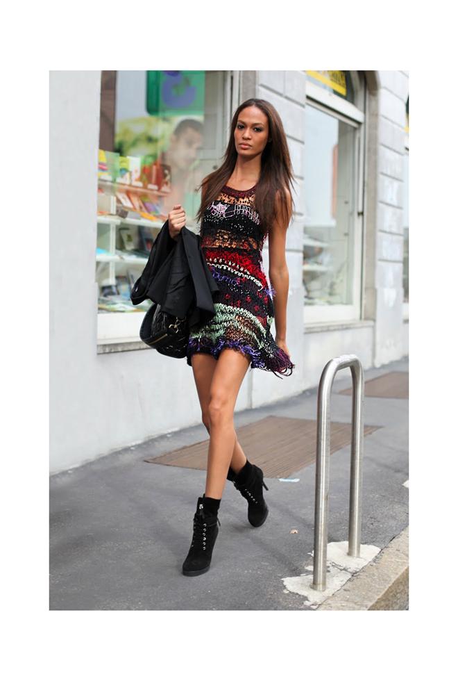 Con vestido en clave mini