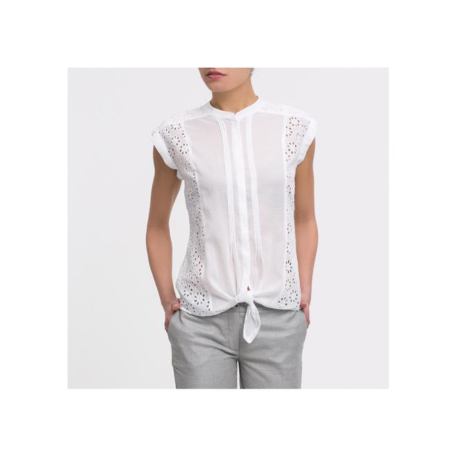 Camisa blanca troquelada