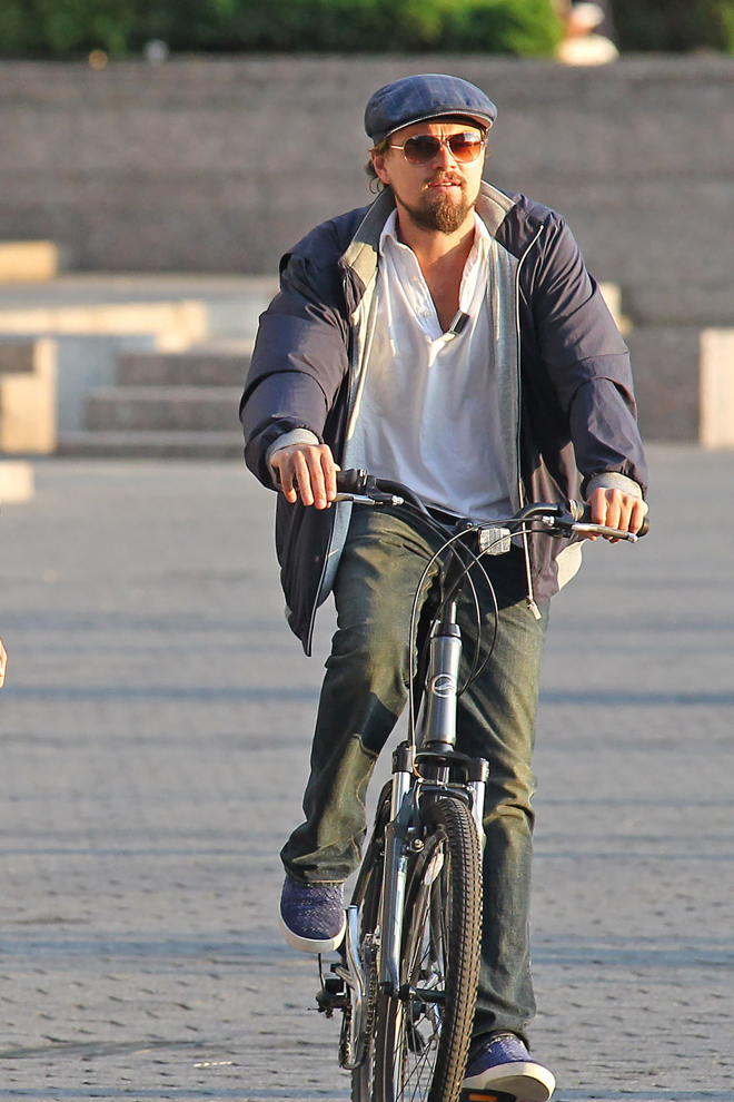 Leonardo DiCaprio en bici