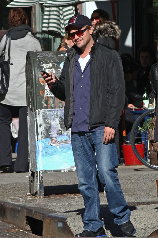 Leonardo DiCaprio informal