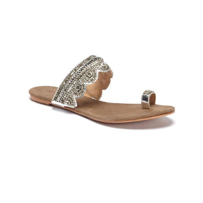 Sandalias de dedo con adornos