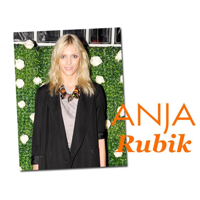 Anja Rubik, peinado desenfadado