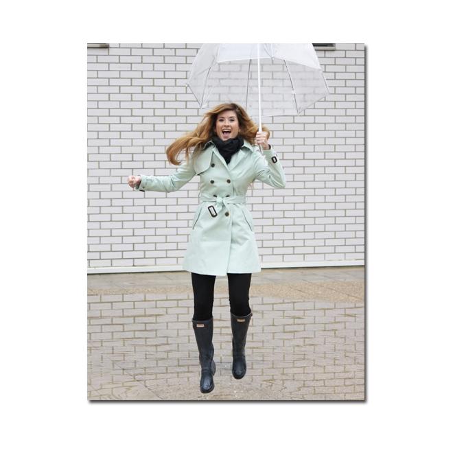 A trendy life under the rain