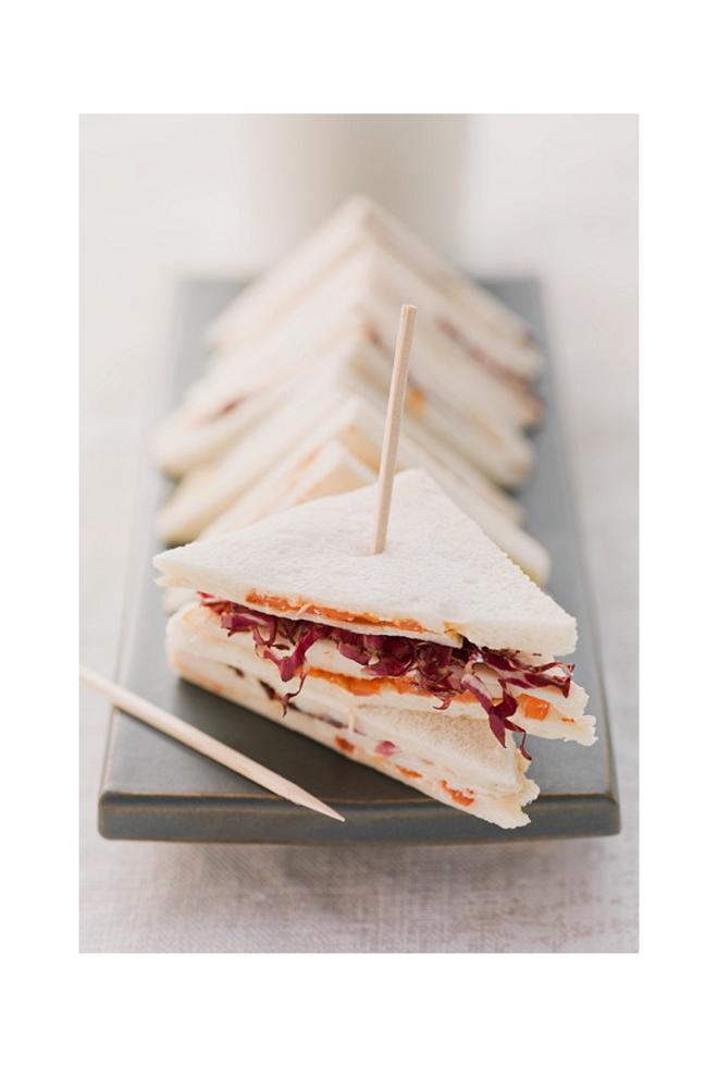 Sandwich de radicchio y tomate