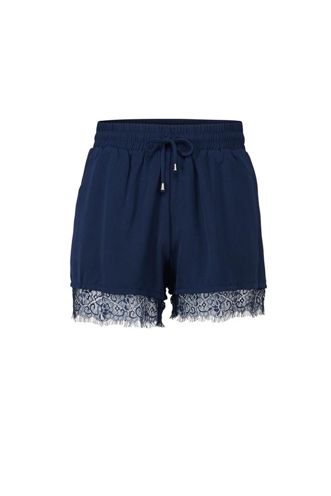 Shorts azul con encaje